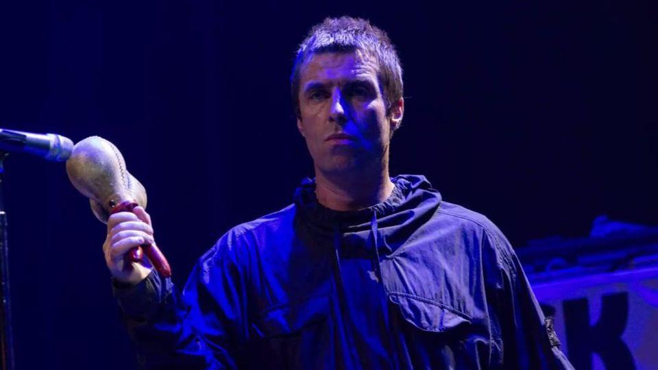 Kaum zu glauben, was ein Fan zum Konzert von Liam Gallagher mitbrachte
