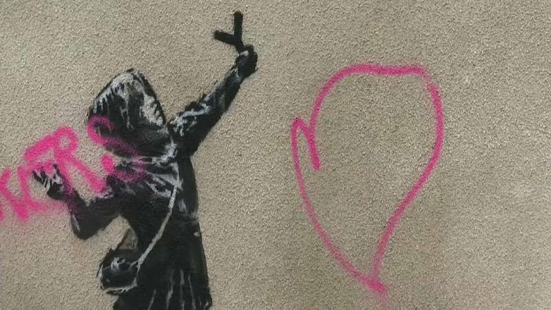 Banksy-Werk an Hauswand in Bristol beschmiert