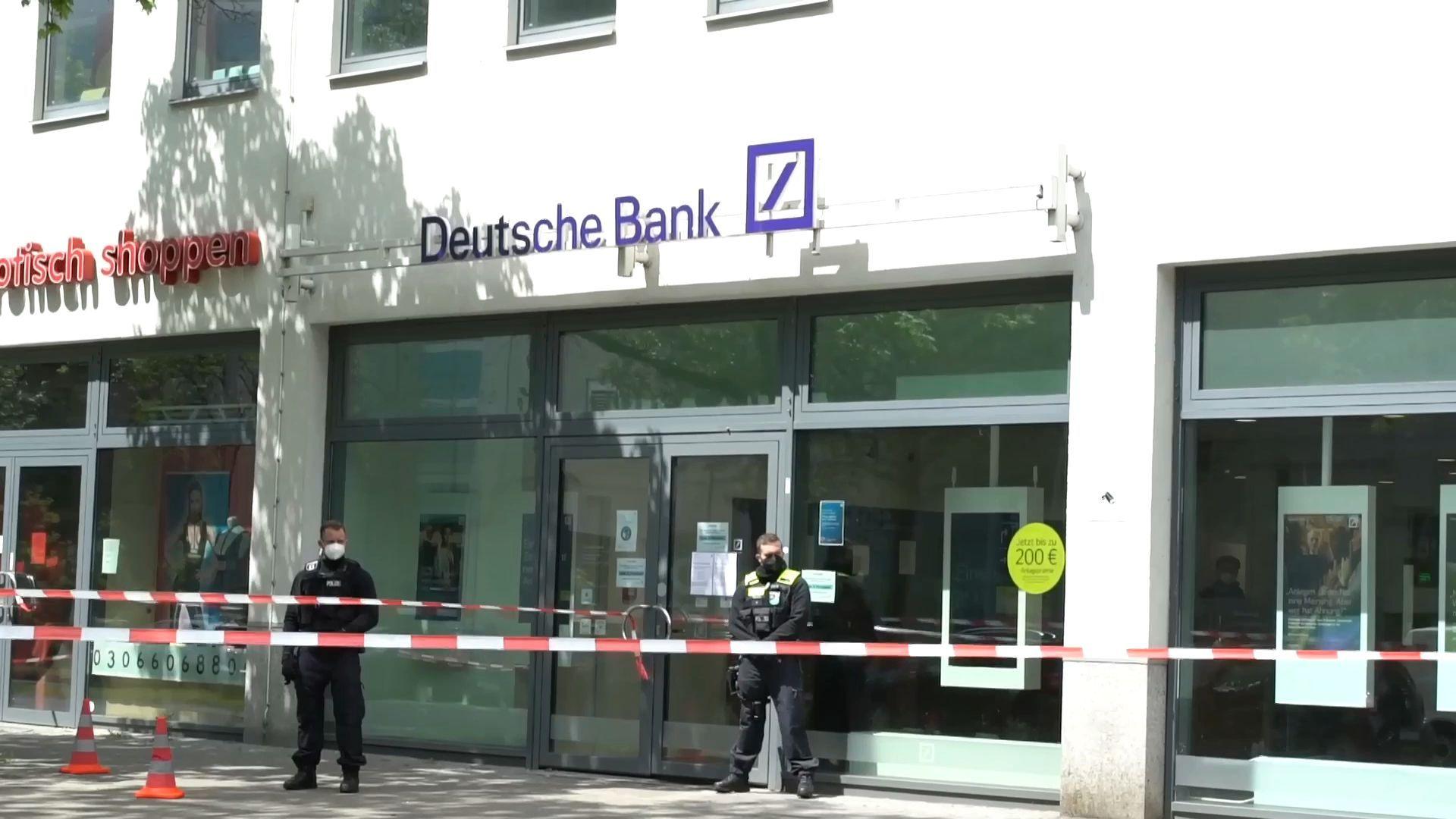 Raubüberfall auf Bank in Neukölln – Zwei Verletzte